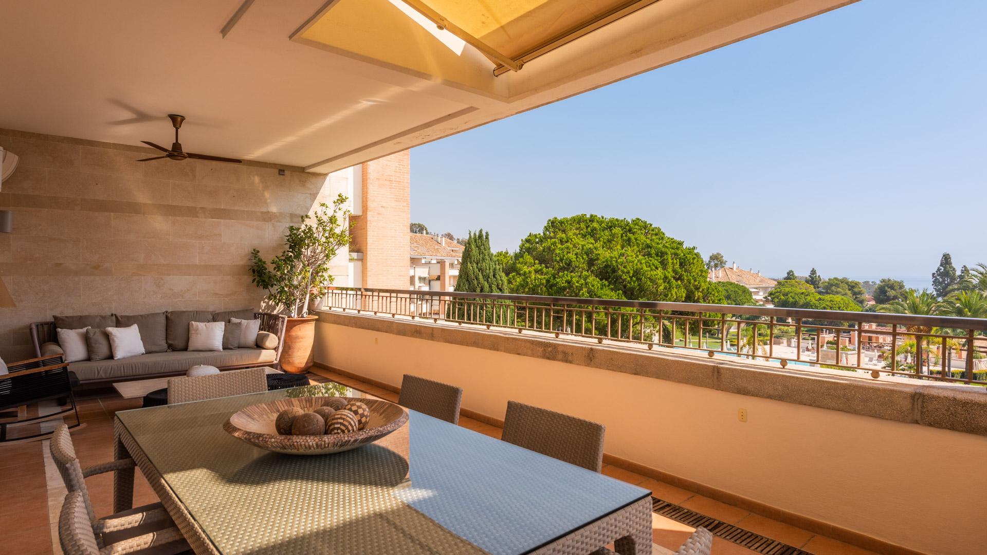 3 Bed 4 Bath 2nd Floor Apartment La Trinidad Marbella